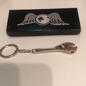 🌸NEW!🌸 Rare Von Dutch wrench keychain